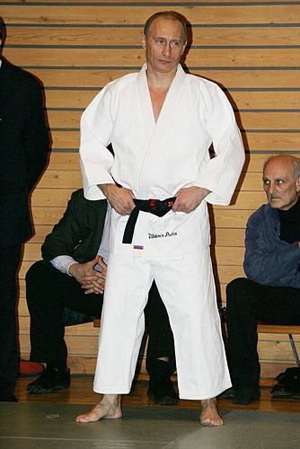 プーチン大統領、柔道家でもある。身長は低く小柄。
