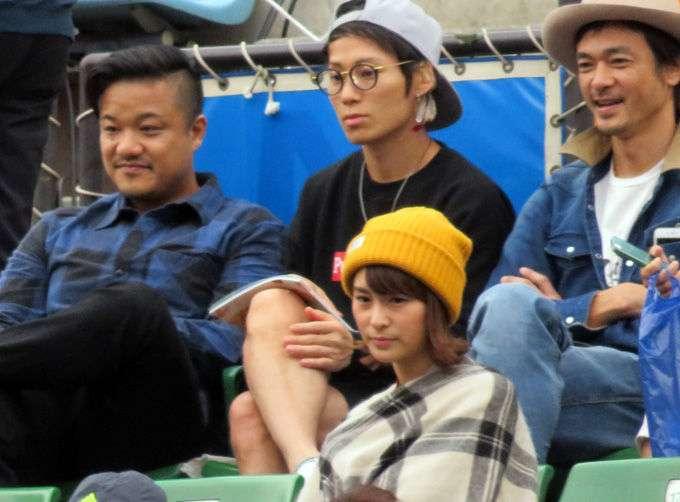 観月あこ関東連合メンバーと一緒に錦織の試合を観戦。