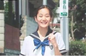 遠山景織子劇場版高校教師に出演。