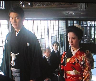 鈴木亮平の人気。キッカケは吉高由里子と主演した花子とアン。