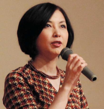 麻木久仁子、乳がんや病と向き合うための講演活動を積極的に実施。