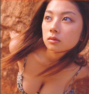 小池栄子は胸が大きいのがコンプレックスでグラビアを始めた