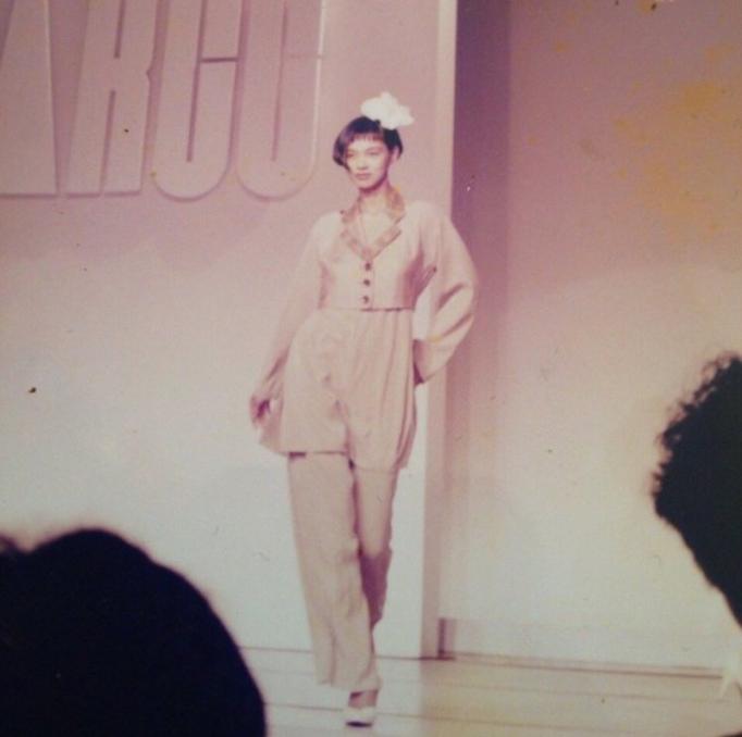 池田エライザの母リザさんのモデル姿!