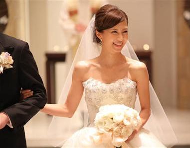 安田美沙子、ホームパーティーで結婚式DVDを見せて自分が泣く
