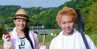 須田アンナと須賀健太のツーショット画像