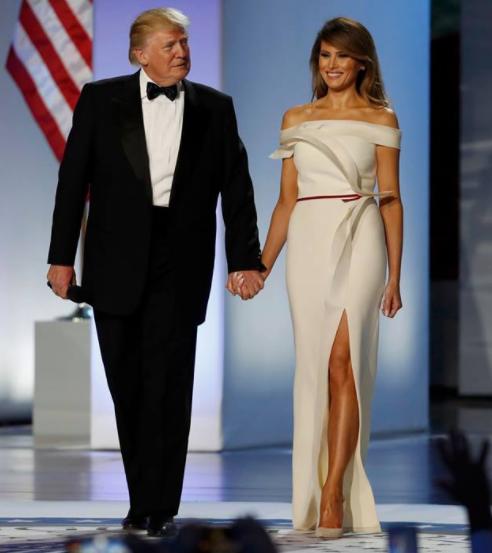 トランプ大統領とメラニア夫人の身長差
