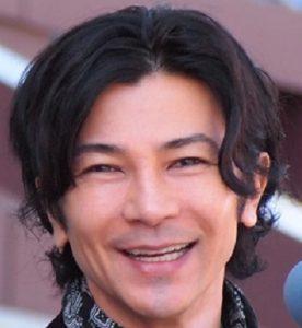 武田真治まだシワありの自然な笑顔画像