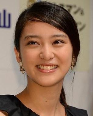 武井咲は歯を矯正した