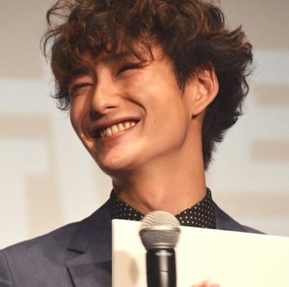 岡田将生笑い顔ブサイク