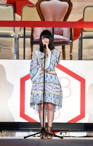 横山由依2016年のスピーチは時間切れ