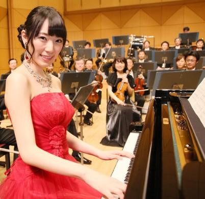 元AKBの松井咲子はピアノが武器