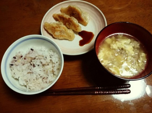福岡聖菜ちゃん夕飯を手作り