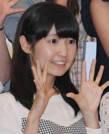 惣田紗莉渚の笑顔がかたい