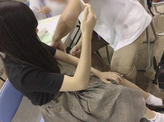 運上弘菜は注射もまゆゆのサインを見て頑張る