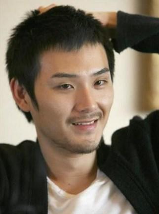 松田龍平も結婚当時浮気してた