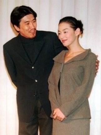 鈴木保奈美と石橋貴明が結婚