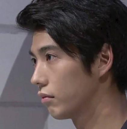 賀来賢人の横顔がtakaに似てる