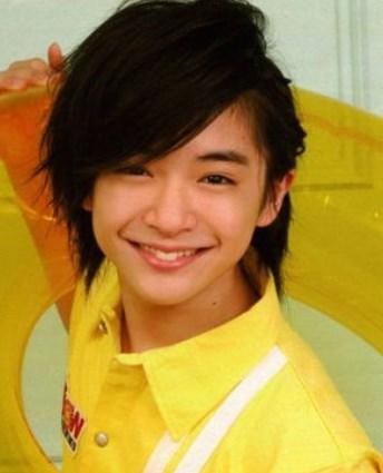 知念侑李は若い頃からかわいい
