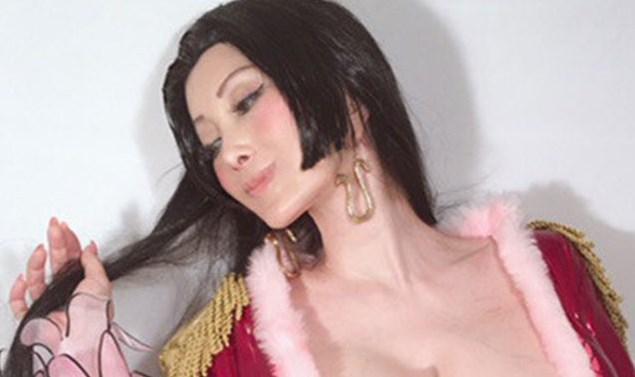 叶美香ハンコックのコスプレ画像