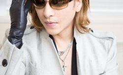 YOSHIKIサングラスが多くすっぴんが分からない