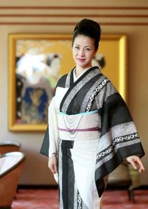 坂本冬美は美白で着物が似合う