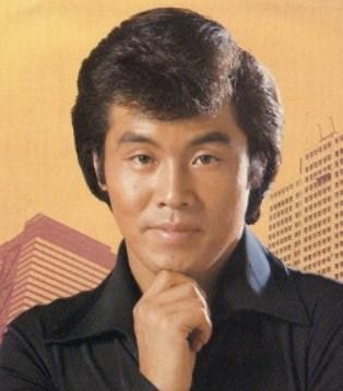 五木ひろし若い頃の髪型が面白い