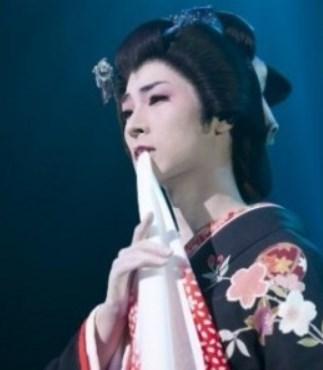 山内惠介の女形がきれい