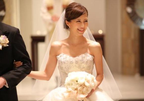 安田美沙子結婚式の画像